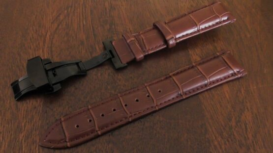 montville leather strap brown with black deployant clasp