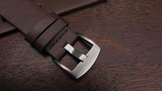 valdora watch styrap brown closeup buckle