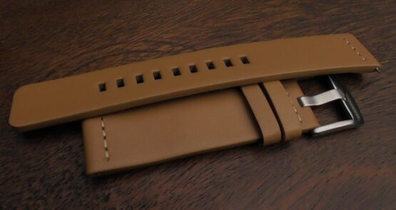 valdora watch straps are flat with no stitching